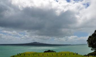 Rangitoto island - přírodní rezervace, tam poplaveme příště!:)
